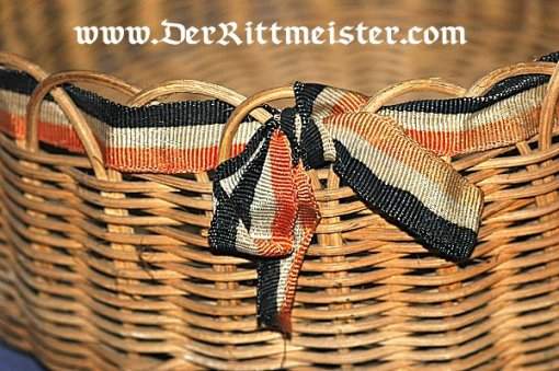 GERMANY - PATRIOTIC WICKER BASKET - Imperial German Military Antiques Sale
