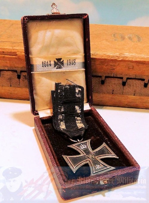 IRON CROSS - 1914 - 2nd CLASS - PRIVATELY-PURCHASED - ORIGINAL PRESENTATION CASE - Imperial German Military Antiques Sale