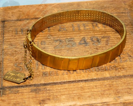 GERMANY - PATRIOTIC BRACELET - MADE FROM THE DRIVING BAND OF AN ARTILLERY SHELL - Imperial German Military Antiques Sale