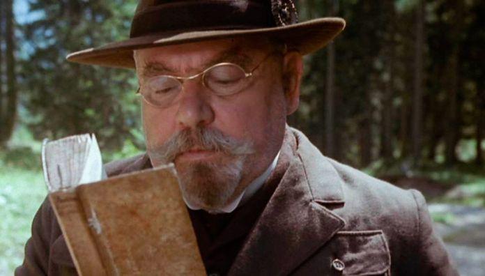 Dino Buzzati e il cinema. Il segreto del bosco vecchio, opera dalla quale Ermanno Olmi ne ha tratto un film meraviglioso.