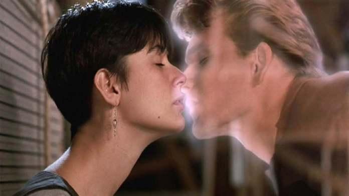 Ghost (1990), regia di Jerry Zucker.