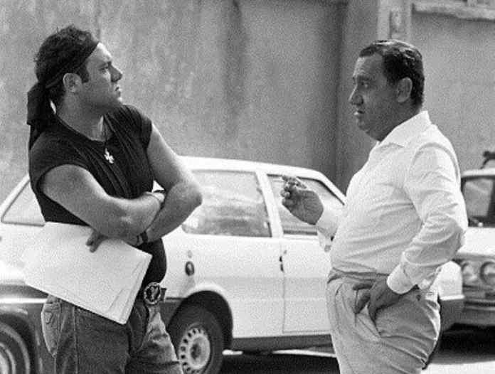 Con Alberto Sordi Verdone ebbe la fortuna di girare due cult intramontabili: Troppo Forte e In viaggio con papà. Quest'ultimo diretto dallo stesso Srodi.