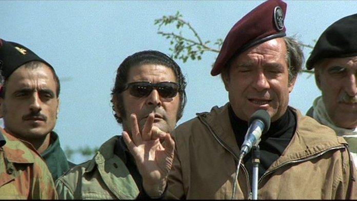 Vogliamo i colonnelli, anno 1973, regia di Mario Monicelli.