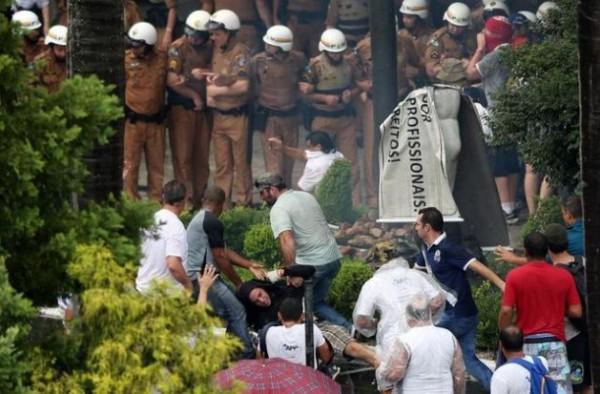 Greve trabalhadores em Paraná