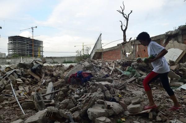 Escombros de casas destruídas na Vila Autódromo