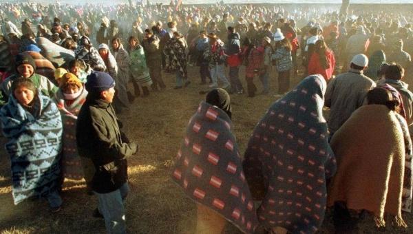 Los aymaras se congregan en distintos lugares para recibir primeros rayos del sol | Foto: EFE