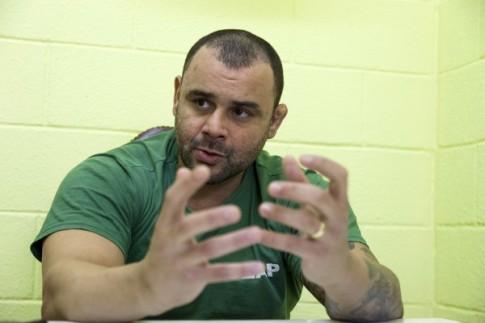 """O ex soldado da PM Rodrigo Nogueira preso em Bangu fala """"Como nascem os monstros"""""""