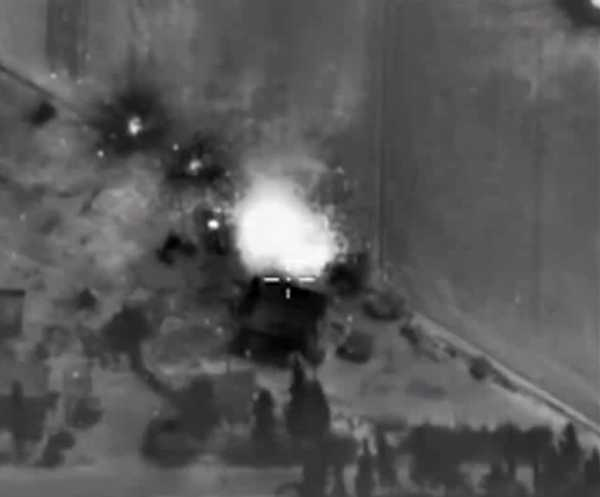 epa04958838 A handout frame grab taken from a video footage made available on the official website of the Russian Defence Ministry on 01 October 2015 showing a strike carried out by Russian warplanes in the Syrian territories. According to the Russian Defence Ministry, Russian warplanes located at the Syrian Hmeymim airbase performed 8 sorties overnight to carry out strikes coordinated with the Command of the Syrian Army against four facilities of the international terrorist organization so-called Islamic State (IS) in Syria. EPA/RUSSIAN DEFENCE MINISTRY/HANDOUT BEST QUALITY AVAILABLE HANDOUT EDITORIAL USE ONLY/NO SALES