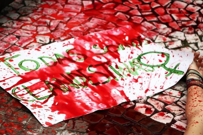 As mulheres sangram e as ruas gritam contra a hipocrisia