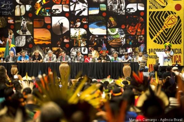 Críticas contra ataques a direitos indígenas marcam abertura da Conferência de Política Indigenista