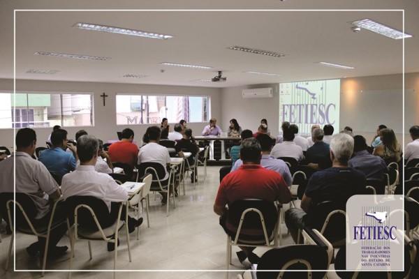 FETIESC em reunião ordinária recebe Dirigentes da ABRAÇO/SC JT/SC e Presidenta de Desacato