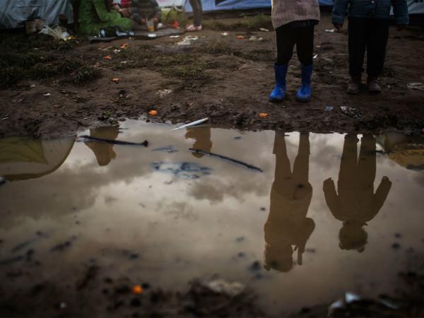 Bebês na lama, abortos espontâneos e mães sem leite: por que Idomeni é a vergonha da Europa