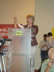 A deputada Luciane Carminatti apoia a auditoria da dívida e é contra o PLP 257