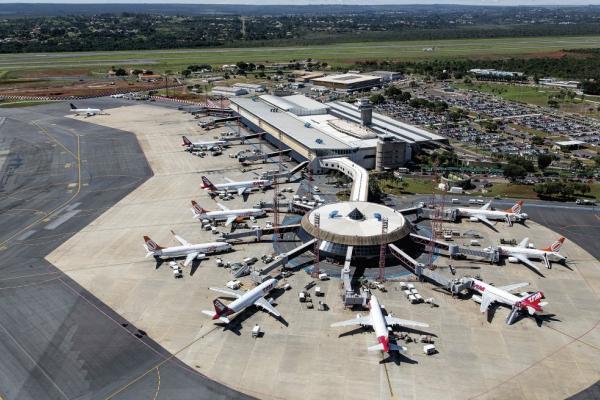Governo sancionou uma medida provisória que amplia de 20% para 49% a participação estrangeira em empresas aéreas nacionais. Foto: Tomás Faquini