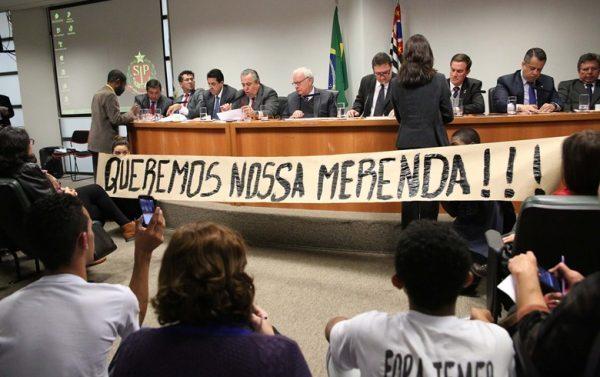 Presidente da CPI da Merenda em SP declara deputado tucano inocente antes de apuração