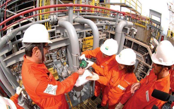 Petrobras presidida por José Sérgio Gabrielli comandou primeira extração do pré-sal na Bacia de Santos em 2010 (Agência Petrobras)