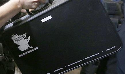 Entre as maletas apreendias estava uma com um boroscópio, que serve para procurar objetos dentro de um espaço vazio, oco, como um cano.