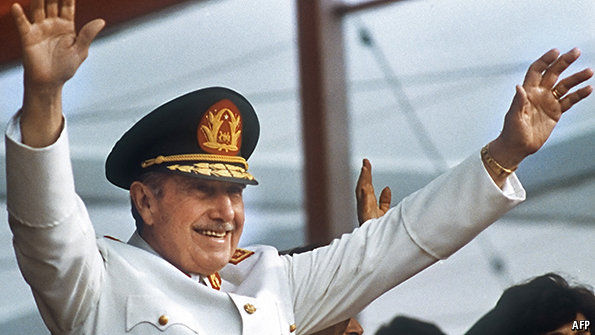 Augusto Pinochet faleceu em 2006 (Foto: WikiCommons)