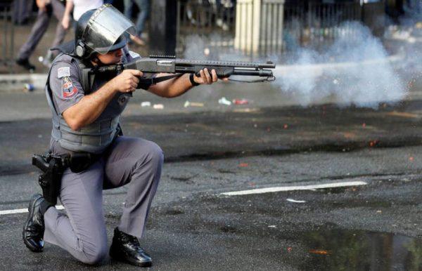 Fabricante de gás lacrimogêneo ganha assento no Conselhão