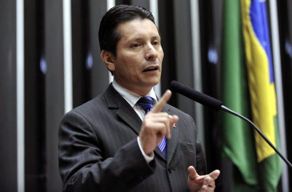 Capitão Assumção tem prisão decretada no Espírito Santo, mas foge da polícia