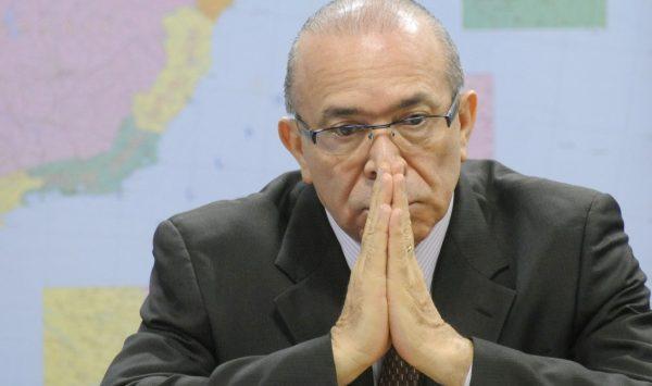 Sob denúncia de Yunes, Padilha tira licença alegando problemas de saúde