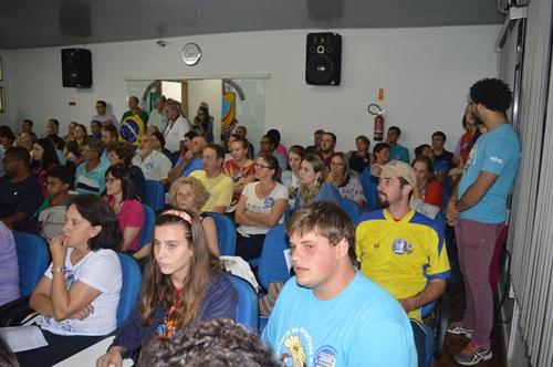 São Miguel do Oeste/SC: Deputado Federal Celso Maldaner é vaiado durante audiência