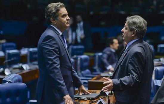 Mendherson Souza Lima é assessor parlamentar de Zezé Perrella (na foto com Aécio). Jefferson Rudy / Agência Senado