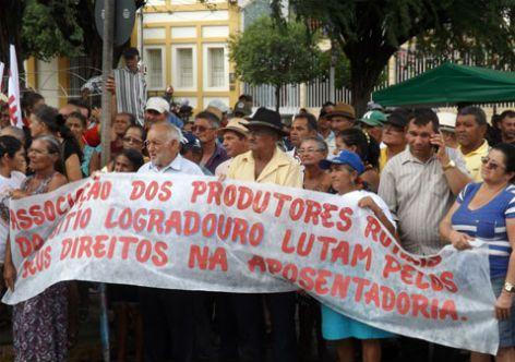 Reforma ameaça aposentadoria de 80% dos que trabalham no campo