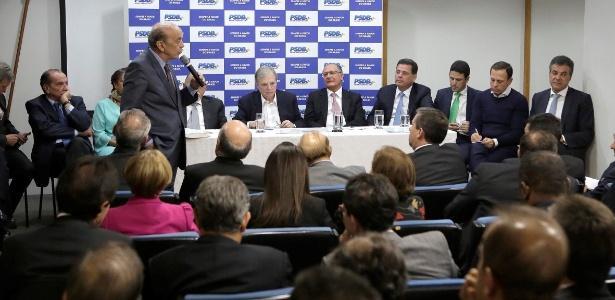 PSDB decide continuar na base de apoio do governo, mas fará avaliações diárias
