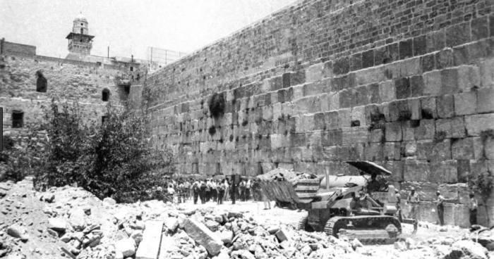 As primeiras vítimas da ocupação da Palestina e a fabricação do Muro das Lamentações