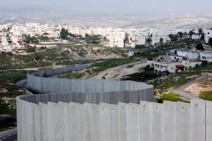 Aspecto do Muro do Apartheid isrelense, que atravessa a Cisjordânia ocupada. Foto: MPPM