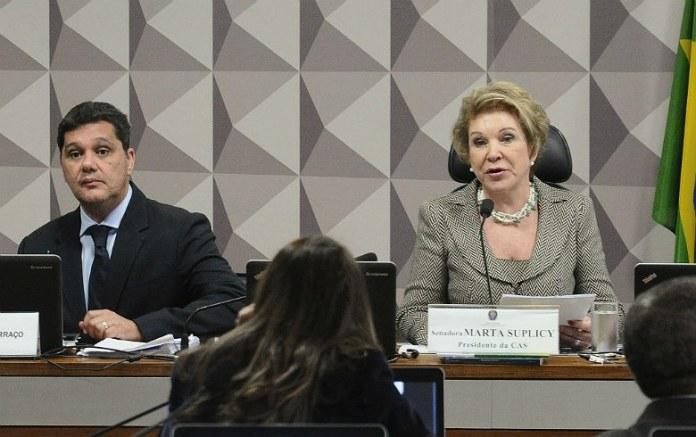 Ricardo Ferraço, relator, e Marta Suplicy, presidente da comissão em que a reforma trabalhista foi derrotada (Geraldo Magela/Agência Senado)