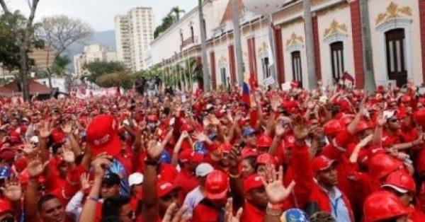 Por que os trabalhadores não fazem greve contra Nicolás Maduro?