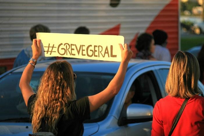Centrais denunciam caos no serviço público e preparam greve geral contra pacote de Temer