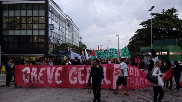 Prefeitura desconta dia da Greve Geral (30/6) e atrasa o pagamento da reposição salarial