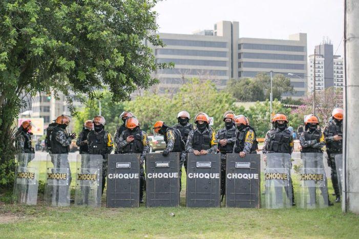Brigada Militar barra caminhada do Grito dos Excluídos em Porto Alegre