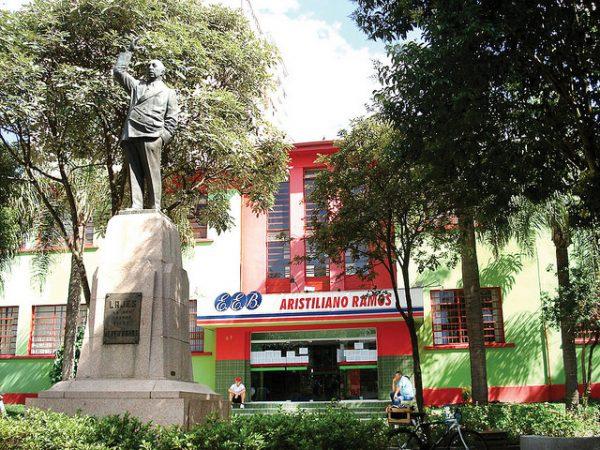 Colégio público Aristiliano Ramos de Lages pode ser demolido