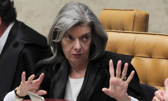 Com voto decisivo de Cármen Lúcia, STF decide que Congresso precisa dar aval para afastamento de parlamentar