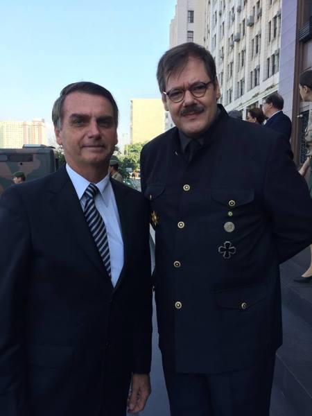 MPF vai investigar ligação entre neonazistas de MG e Bolsonaro