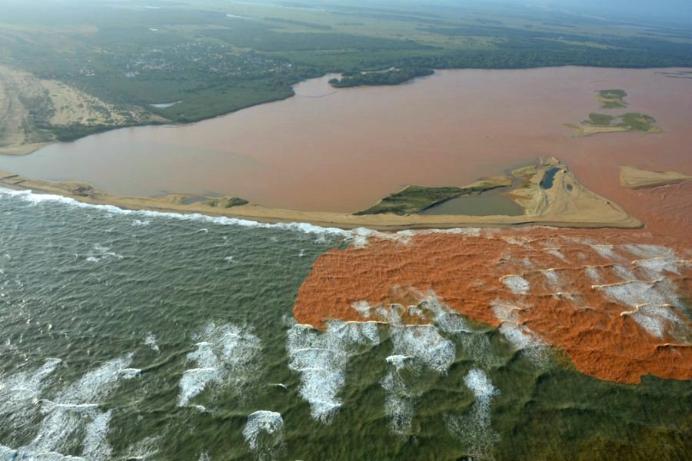 Ação inédita no país, Rio Doce entra na Justiça contra desastre de Mariana