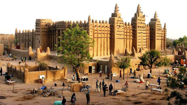 Timbuktu: A capital do Império Mali que, no século XIV, foi a cidade mais rica do mundo.