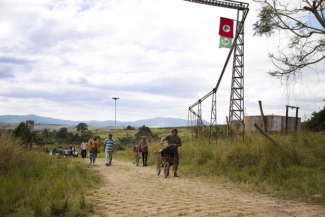 Sul de Minas: área do MST emprega 80% mais que fazenda de café