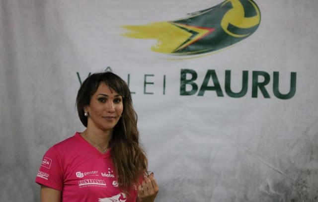 Tiffany Abreu acerta com o Bauru e será a 1ª jogadora transexual da Superliga de vôlei
