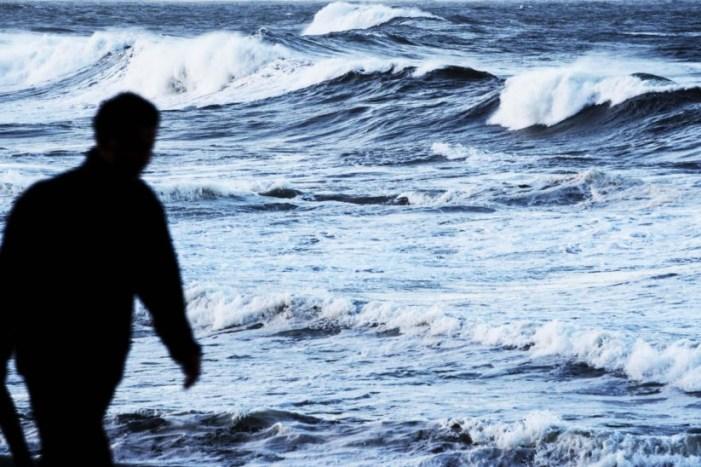 Estado do mar coloca dez distritos sob aviso laranja