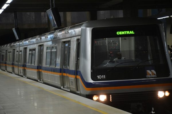 Greve: São Paulo amanhece com estações do metrô fechadas