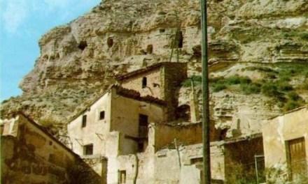 La casa del cerro encantado 1,  por Nicole Regez