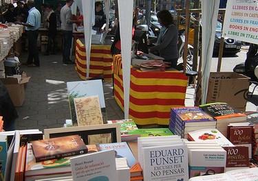 23 abril diada de Sant Jordi, el mejor día para recorrer las calles de Cataluña