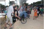 Essai libre des vélos à la kermesse de l'école