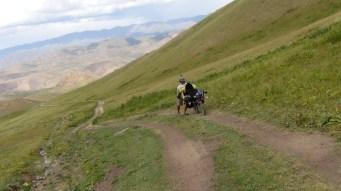 On a l'impression de faire de l'alpinisme avec des vélos chargés.