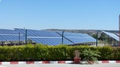 La Bulgarie nous étonne par de nombreux champs de panneaux solaires.